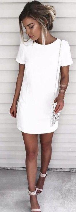 outfit estivi con abito bianco