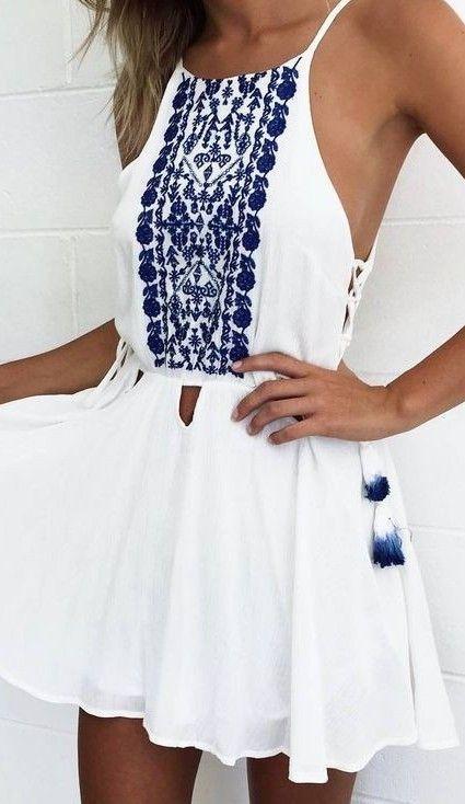 vestito bianco e blu