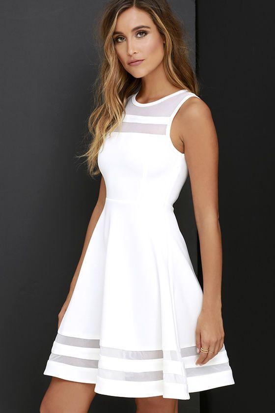 vestito bianco con trasparenze