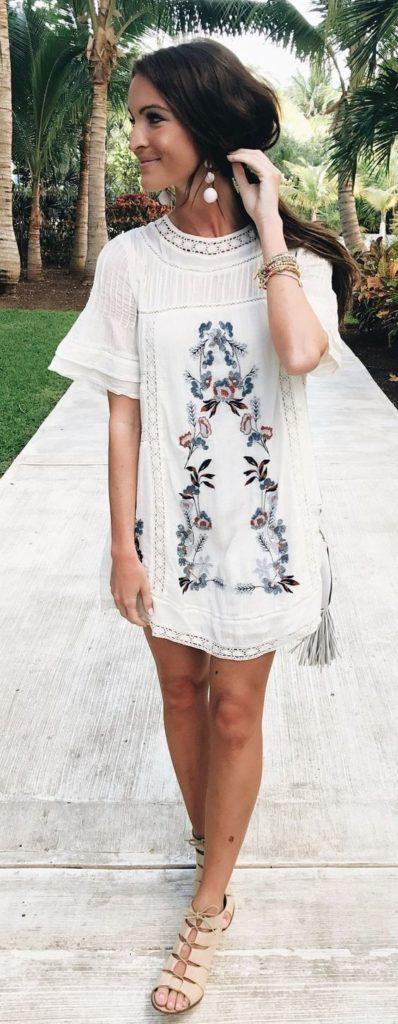 vestito corto bianco a fiori