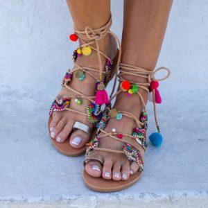 sandali con nappine