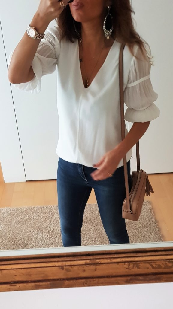 Blusa bianca con maniche operate massimo Dutti con borsa Gucci Disco