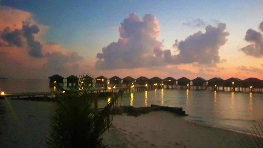 Tramonti rosa alle Maldive