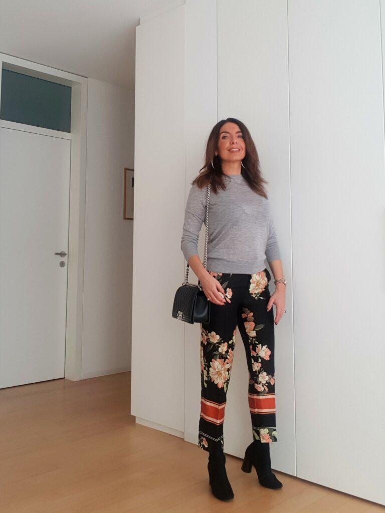 Pantaloni a fiori invernali