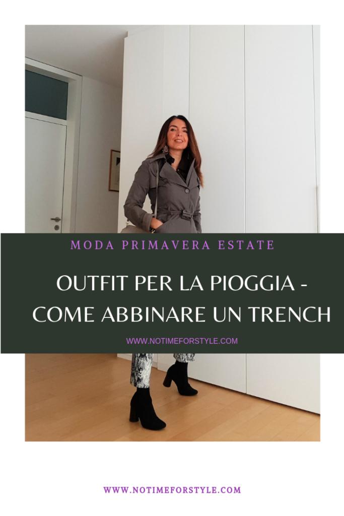 Moda primavera estate: outfit con trench e pantaloni pitonati, borsa Chloé Faye