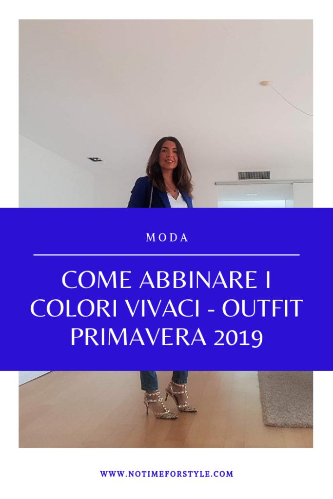 Come abbinare i colori vivaci: outfit blu cobalto