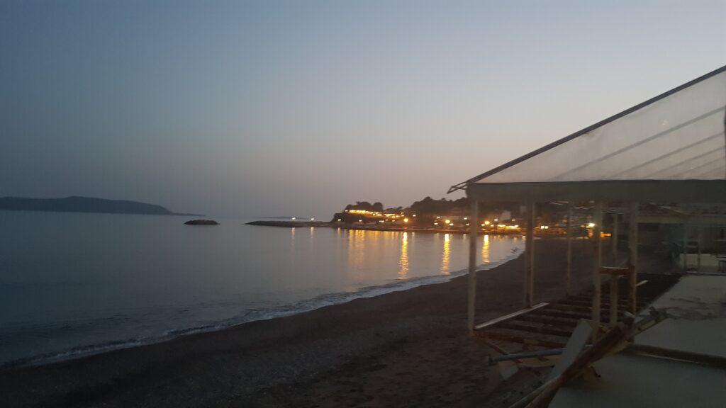 Spiaggia di sera in Messinia, Grecia