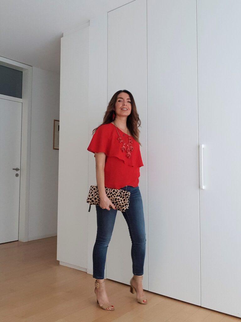 top monospalla rosso e borsa leopardata
