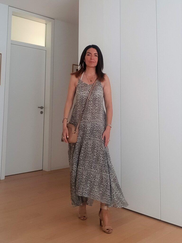 Come vestirsi quando fa caldo con un maxi dress in cotone