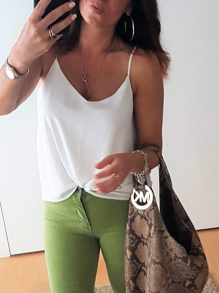 borsa pitonata come abbinarla negli outfit estivi