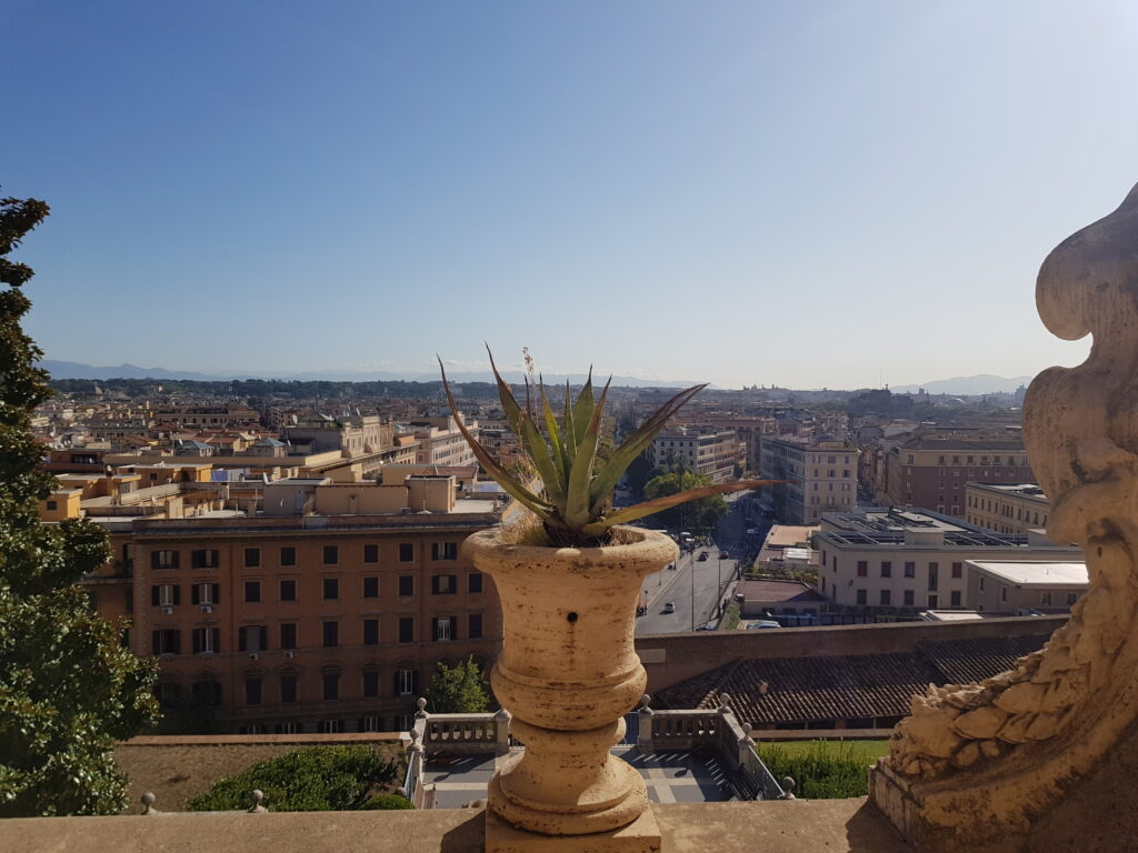 Roma vista dai Musei Vaticani, cosa fare guardare e comprare in autunno