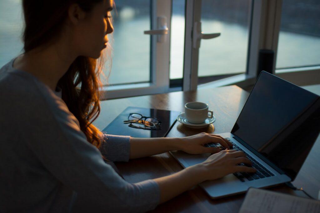 Guadagnare con un blog: come collaborare con aziende