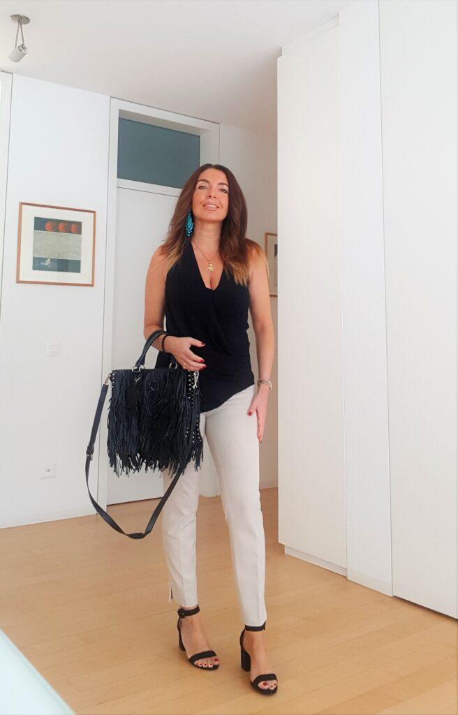 Outfit estivi per ufficio: crema +  nero + turchese
